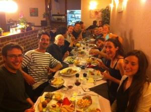 …pour terminer par un excellent repas à Jette (Bruxelles) après une représentation sous la pluie avec un public exceptionnel!